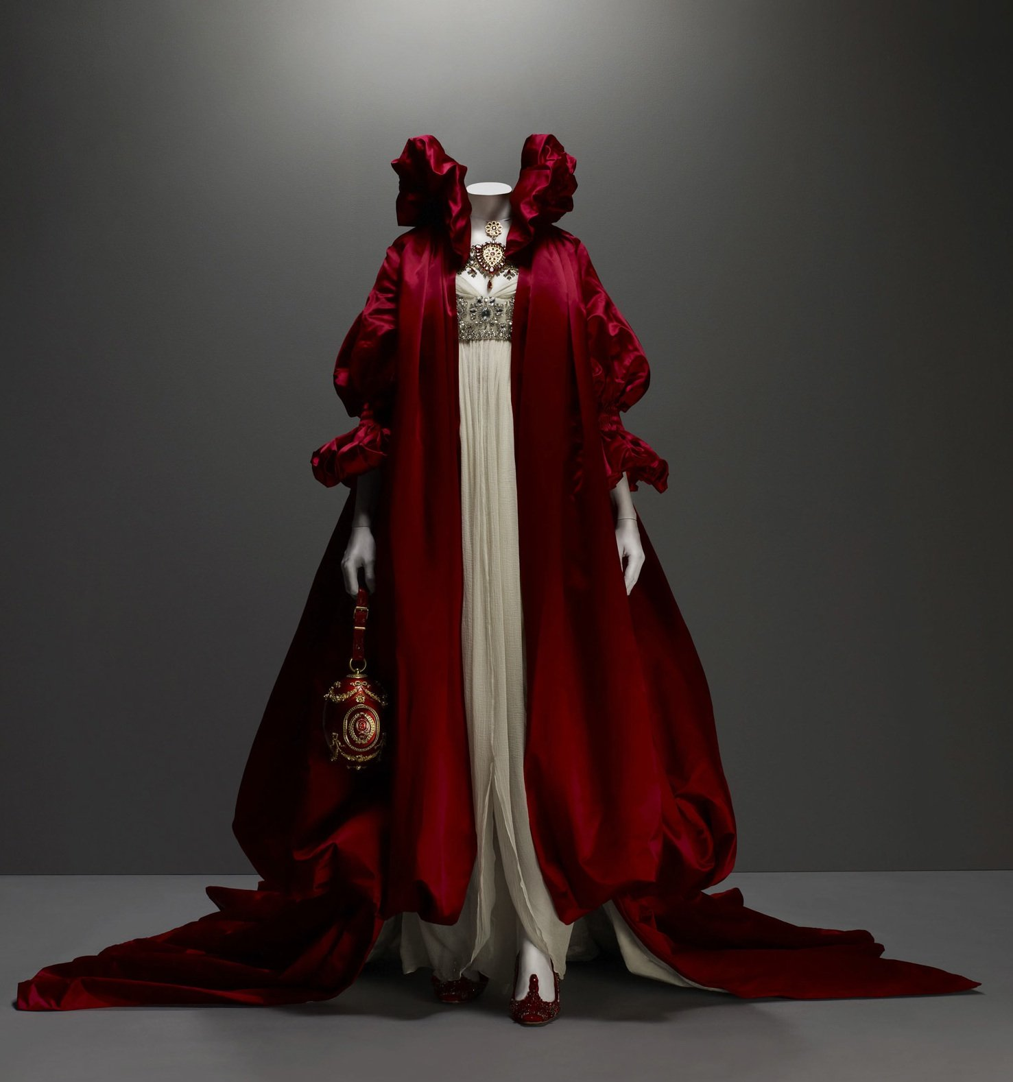 women empowerment in highland rape and the girl who lived in a tree by alexander mcqueen Inside alexander mcqueen: including pieces from his 'highland rape' highlight being the gorgeous red ballet dress from the girl who lived in the tree.